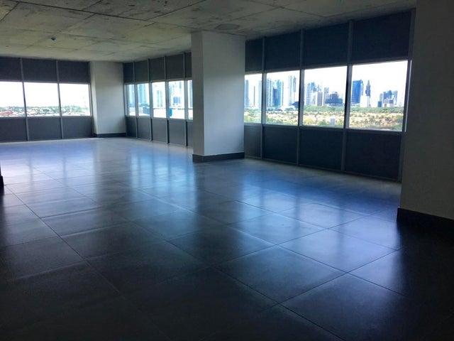 PANAMA VIP10, S.A. Oficina en Venta en Santa Maria en Panama Código: 15-2404 No.5
