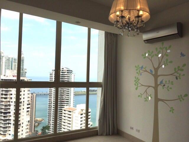 PANAMA VIP10, S.A. Apartamento en Alquiler en Paitilla en Panama Código: 17-6840 No.2