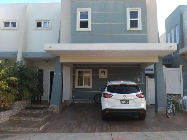 Casa / Venta / San Miguelito / Brisas Del Golf / FLEXMLS-17-7113
