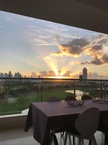 PANAMA VIP10, S.A. Apartamento en Venta en Santa Maria en Panama Código: 18-47 No.2