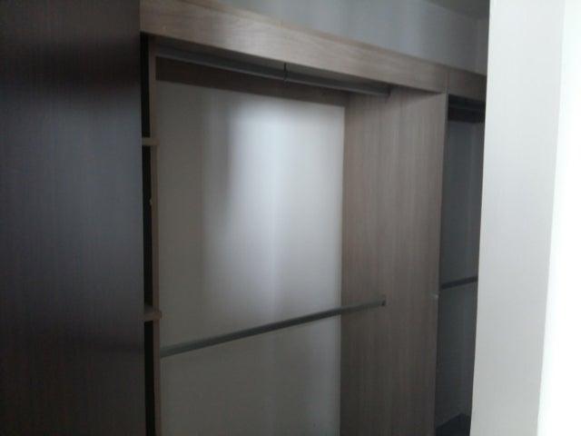 PANAMA VIP10, S.A. Apartamento en Venta en Via Espana en Panama Código: 18-54 No.8
