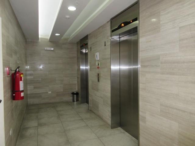 PANAMA VIP10, S.A. Oficina en Venta en Via Espana en Panama Código: 18-68 No.2