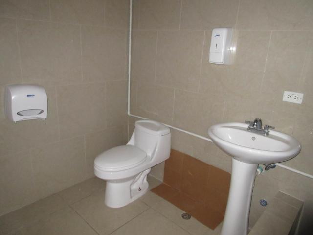 PANAMA VIP10, S.A. Oficina en Venta en Via Espana en Panama Código: 18-68 No.6
