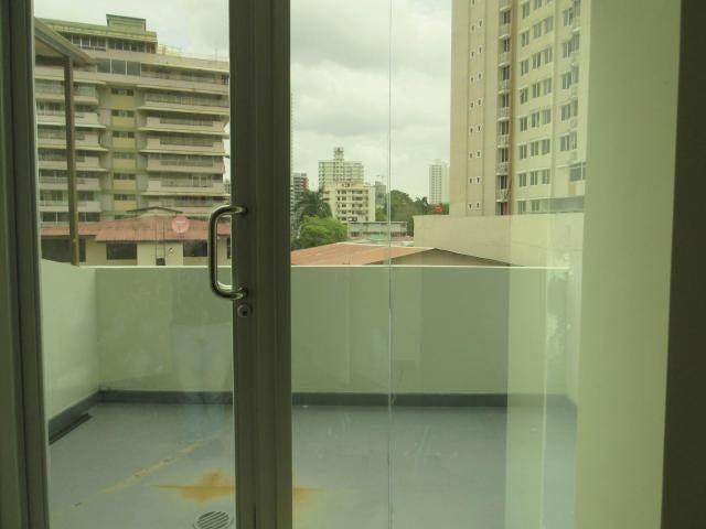 PANAMA VIP10, S.A. Oficina en Venta en Via Espana en Panama Código: 18-68 No.9