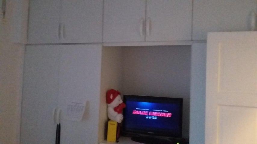 PANAMA VIP10, S.A. Apartamento en Venta en Obarrio en Panama Código: 18-84 No.6