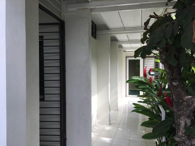 PANAMA VIP10, S.A. Casa en Venta en Coronado en Chame Código: 18-140 No.2