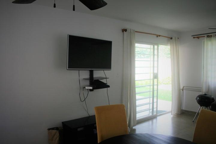 PANAMA VIP10, S.A. Apartamento en Venta en Coronado en Chame Código: 18-196 No.6