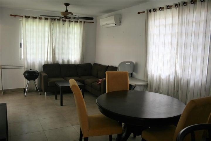 PANAMA VIP10, S.A. Apartamento en Alquiler en Coronado en Chame Código: 18-199 No.1