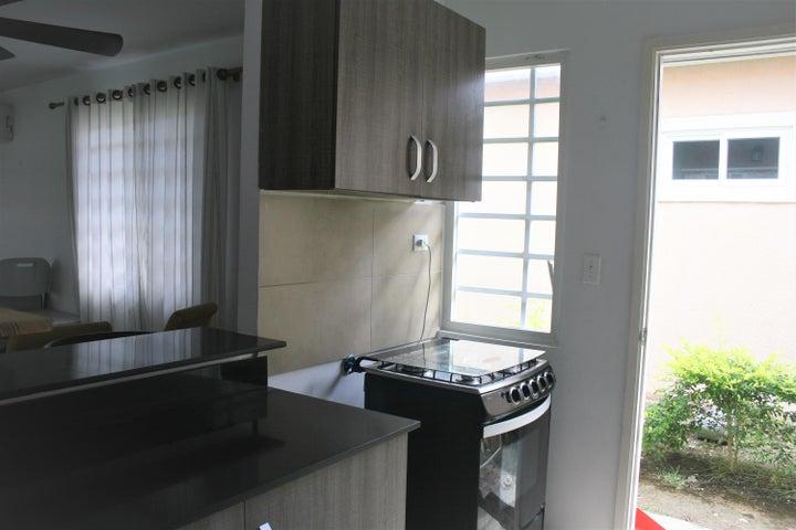 PANAMA VIP10, S.A. Apartamento en Alquiler en Coronado en Chame Código: 18-199 No.5