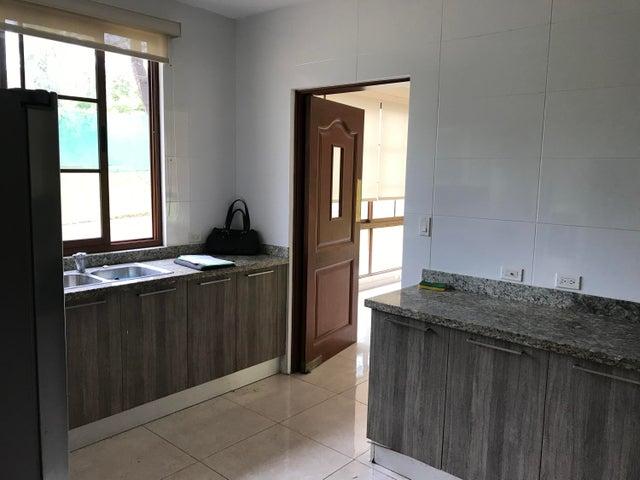 PANAMA VIP10, S.A. Casa en Alquiler en Clayton en Panama Código: 18-274 No.9