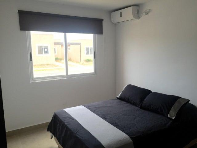 PANAMA VIP10, S.A. Apartamento en Venta en Coronado en Chame Código: 18-368 No.7