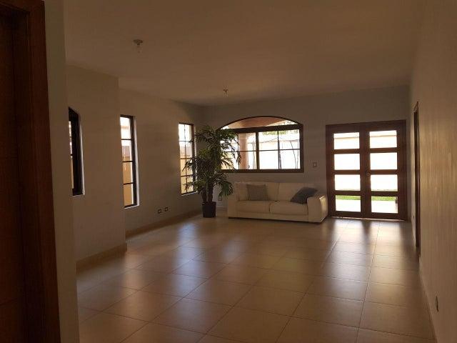 PANAMA VIP10, S.A. Casa en Venta en Costa Sur en Panama Código: 18-448 No.4
