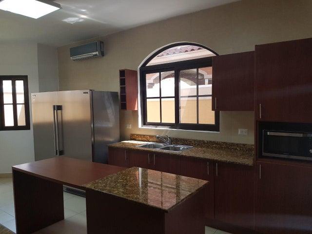 PANAMA VIP10, S.A. Casa en Venta en Costa Sur en Panama Código: 18-448 No.6