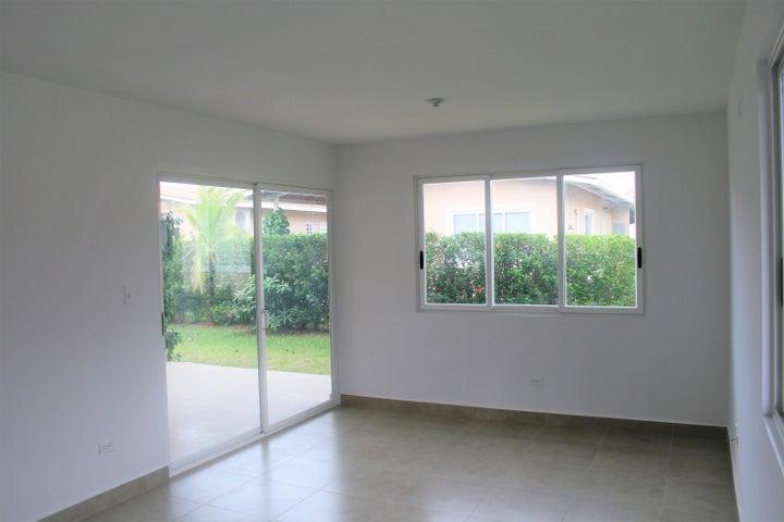 PANAMA VIP10, S.A. Apartamento en Alquiler en Coronado en Chame Código: 18-300 No.2