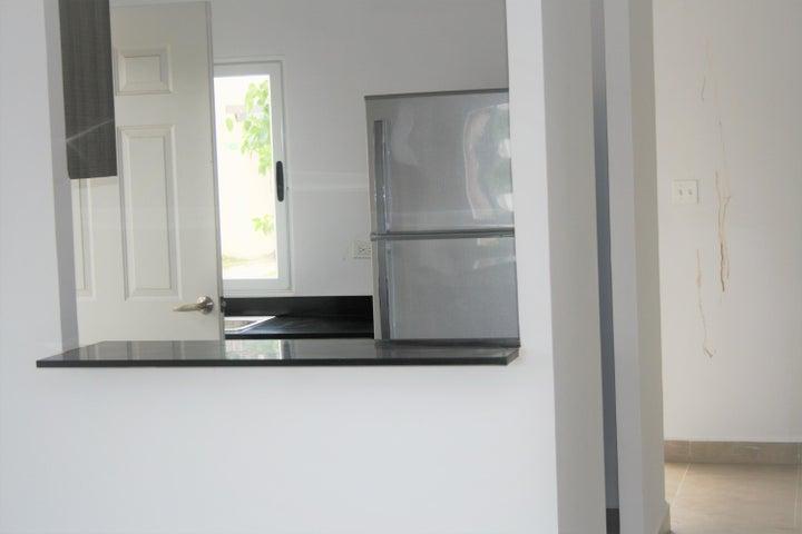 PANAMA VIP10, S.A. Apartamento en Alquiler en Coronado en Chame Código: 18-300 No.4