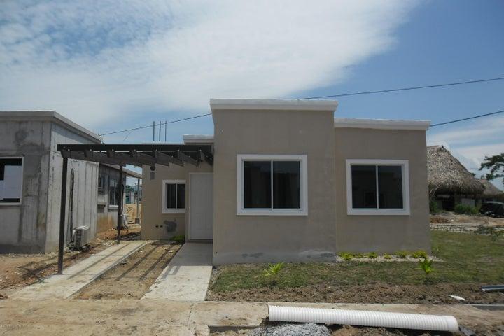 PANAMA VIP10, S.A. Casa en Venta en Coronado en Chame Código: 18-520 No.0