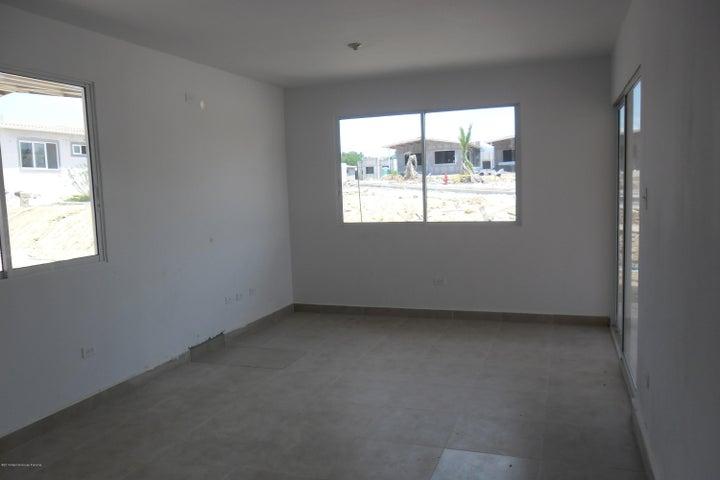PANAMA VIP10, S.A. Casa en Venta en Coronado en Chame Código: 18-520 No.2