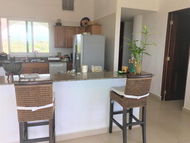 PANAMA VIP10, S.A. Apartamento en Venta en Coronado en Chame Código: 18-593 No.2