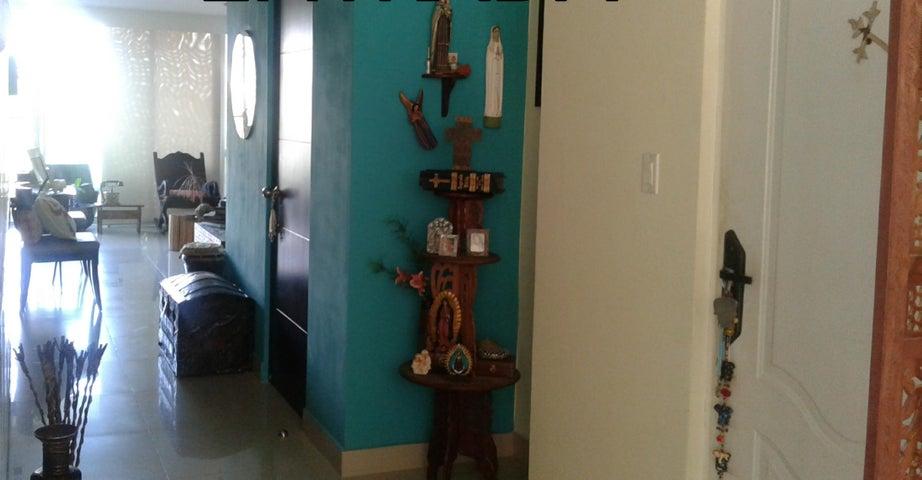PANAMA VIP10, S.A. Apartamento en Venta en Albrook en Panama Código: 18-641 No.1