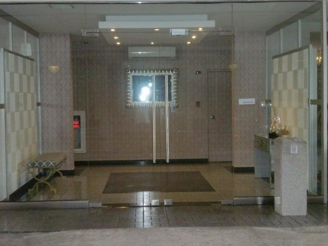 PANAMA VIP10, S.A. Apartamento en Venta en Transistmica en Panama Código: 18-703 No.1