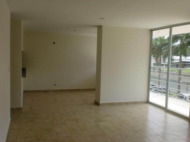 PANAMA VIP10, S.A. Apartamento en Venta en Transistmica en Panama Código: 18-703 No.3