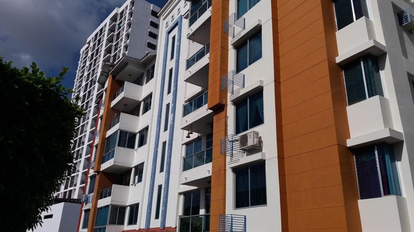 Apartamento / Alquiler / Panama / Carrasquilla / FLEXMLS-18-762