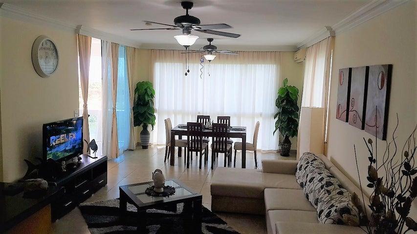 PANAMA VIP10, S.A. Apartamento en Venta en Playa Blanca en Rio Hato Código: 18-773 No.1