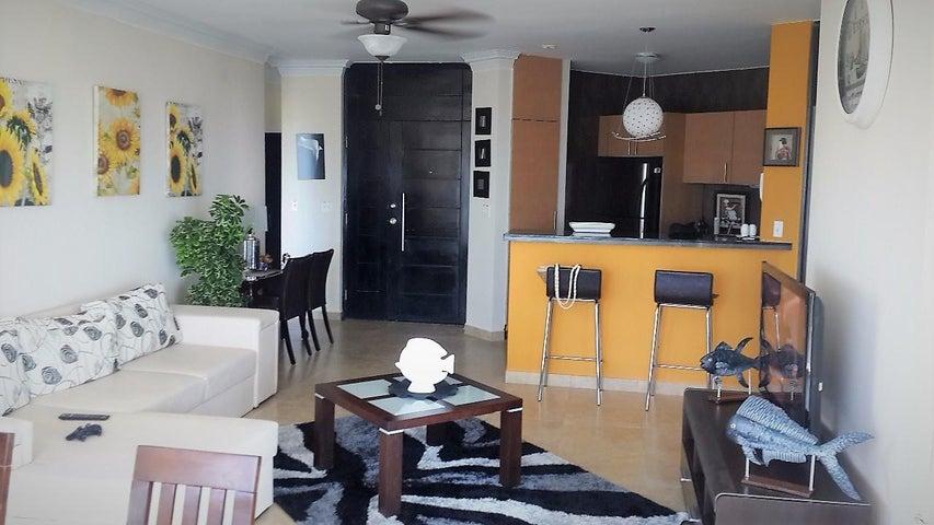 PANAMA VIP10, S.A. Apartamento en Venta en Playa Blanca en Rio Hato Código: 18-773 No.2