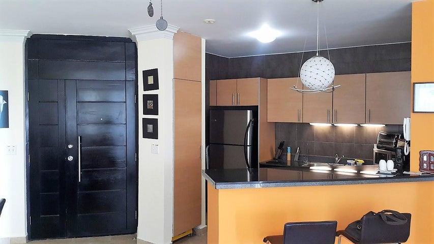 PANAMA VIP10, S.A. Apartamento en Venta en Playa Blanca en Rio Hato Código: 18-773 No.3