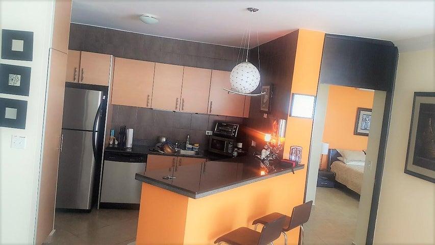 PANAMA VIP10, S.A. Apartamento en Venta en Playa Blanca en Rio Hato Código: 18-773 No.4