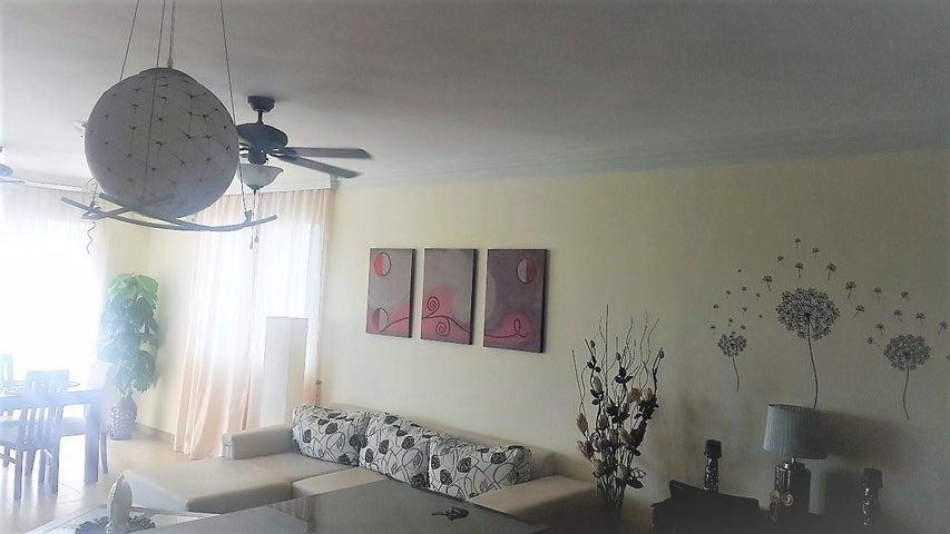 PANAMA VIP10, S.A. Apartamento en Venta en Playa Blanca en Rio Hato Código: 18-773 No.5