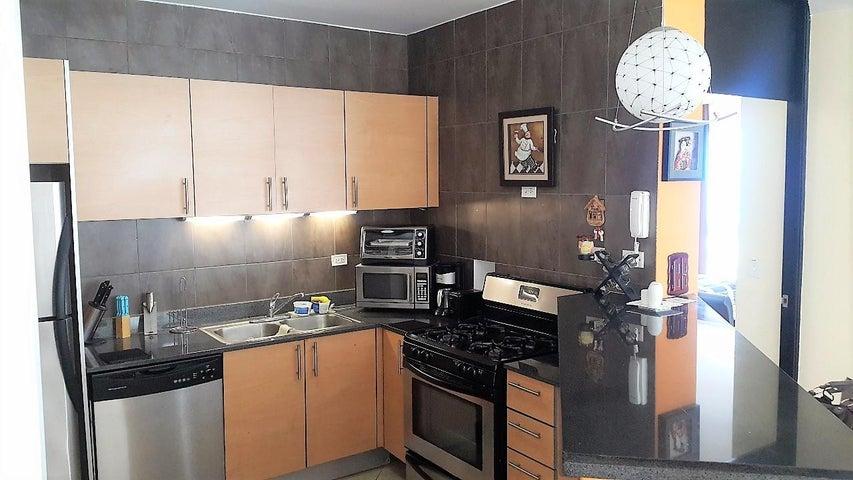 PANAMA VIP10, S.A. Apartamento en Venta en Playa Blanca en Rio Hato Código: 18-773 No.7