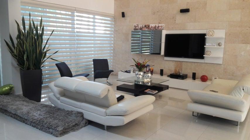 PANAMA VIP10, S.A. Casa en Venta en Costa Sur en Panama Código: 18-867 No.1