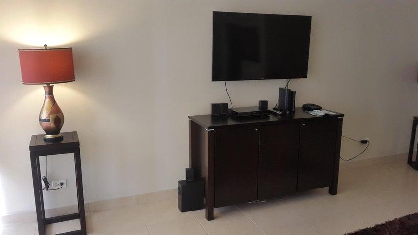 PANAMA VIP10, S.A. Apartamento en Venta en Costa del Este en Panama Código: 18-879 No.5
