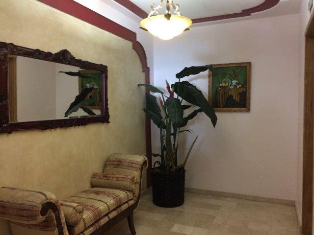 PANAMA VIP10, S.A. Apartamento en Venta en Paitilla en Panama Código: 18-887 No.2