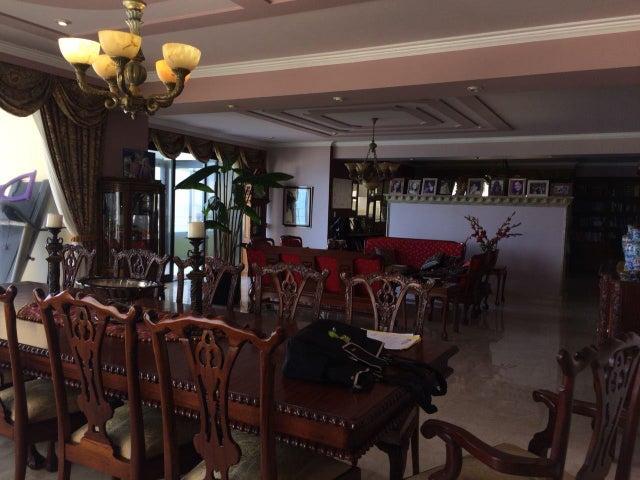 PANAMA VIP10, S.A. Apartamento en Venta en Paitilla en Panama Código: 18-887 No.4
