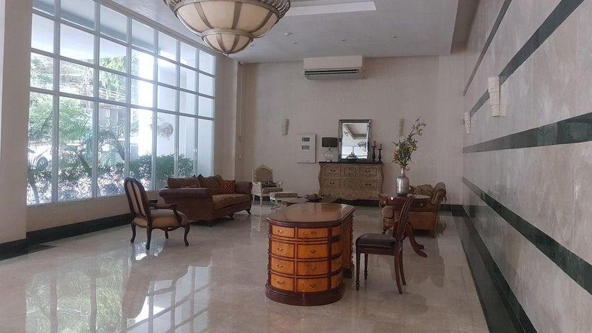 PANAMA VIP10, S.A. Apartamento en Venta en Bellavista en Panama Código: 18-915 No.2