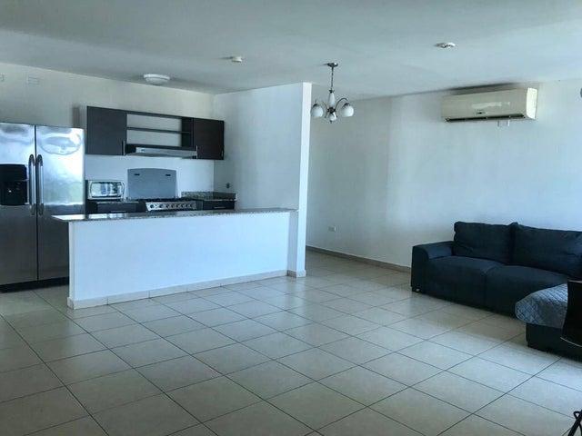 PANAMA VIP10, S.A. Apartamento en Venta en El Cangrejo en Panama Código: 18-921 No.2
