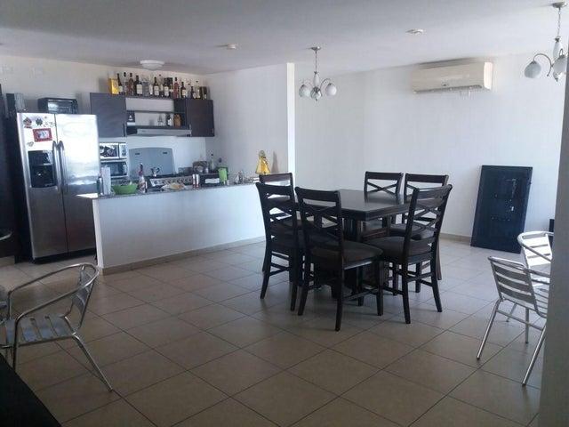 PANAMA VIP10, S.A. Apartamento en Venta en El Cangrejo en Panama Código: 18-921 No.4
