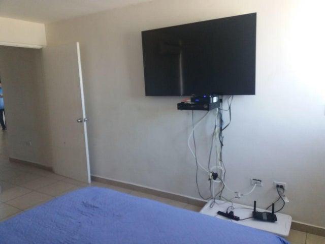 PANAMA VIP10, S.A. Apartamento en Venta en El Cangrejo en Panama Código: 18-921 No.9