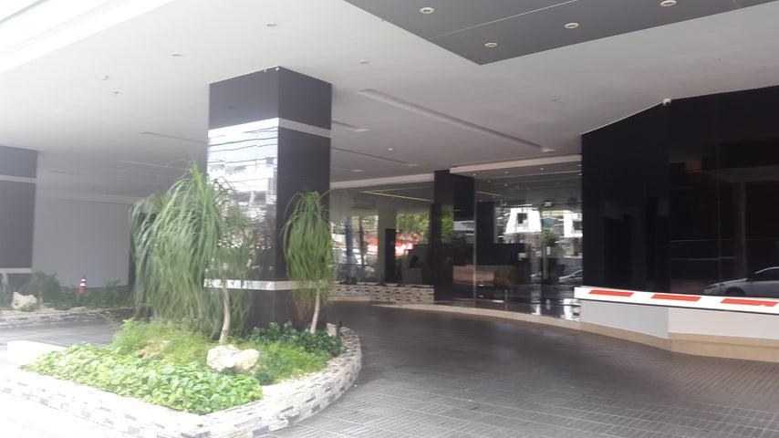 PANAMA VIP10, S.A. Apartamento en Alquiler en Avenida Balboa en Panama Código: 18-939 No.3
