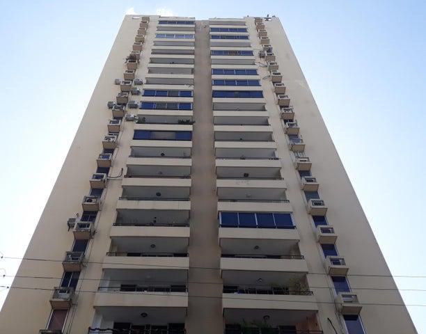 Apartamento / Alquiler / Panama / El Cangrejo / FLEXMLS-18-942