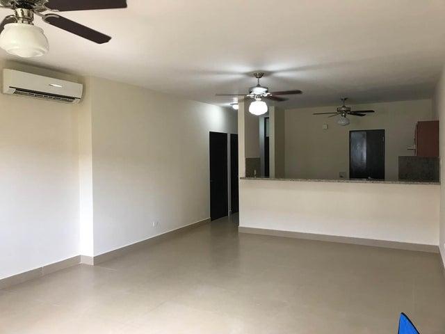 PANAMA VIP10, S.A. Apartamento en Venta en Albrook en Panama Código: 18-948 No.8