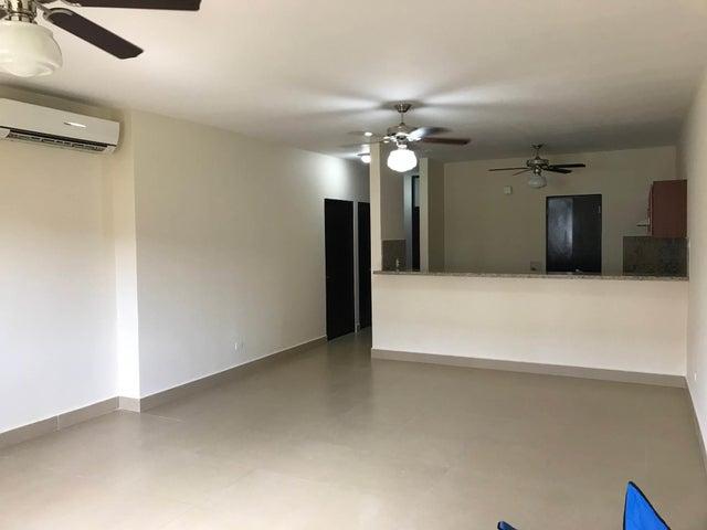 PANAMA VIP10, S.A. Apartamento en Venta en Albrook en Panama Código: 18-948 No.9