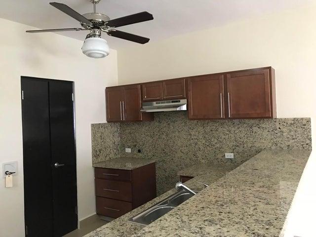PANAMA VIP10, S.A. Apartamento en Venta en Albrook en Panama Código: 18-948 No.6