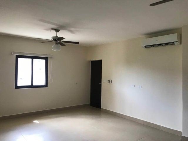PANAMA VIP10, S.A. Apartamento en Venta en Albrook en Panama Código: 18-948 No.3
