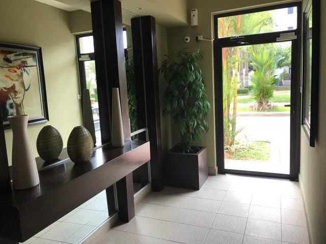 PANAMA VIP10, S.A. Apartamento en Venta en Albrook en Panama Código: 18-948 No.2