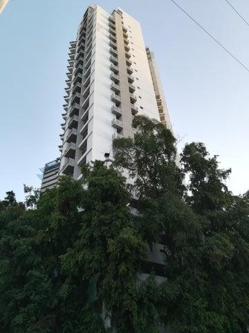 Apartamento / Alquiler / Panama / El Cangrejo / FLEXMLS-18-1032