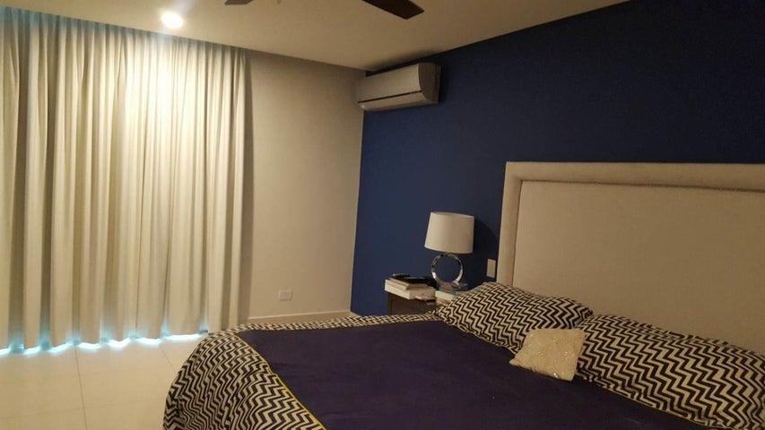 PANAMA VIP10, S.A. Apartamento en Venta en Costa del Este en Panama Código: 18-994 No.7
