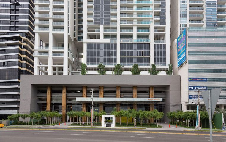 Apartamento / Alquiler / Panama / Avenida Balboa / FLEXMLS-18-1182